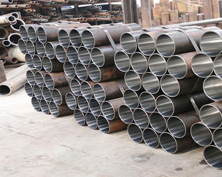 Hot-Sale-Alloy-Steel-Pipe-Seamless-Steel - 副本